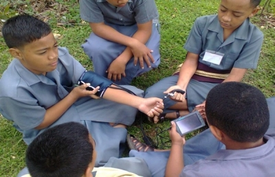 Tonga High School students with Data loggers